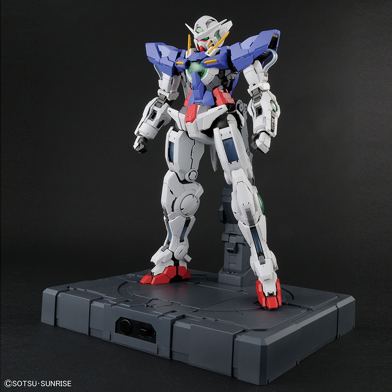 GN-001-Gundam-Exia-GUNPLA-PG-Perfect-Grade-1-60-00-Gundam-BANDAI