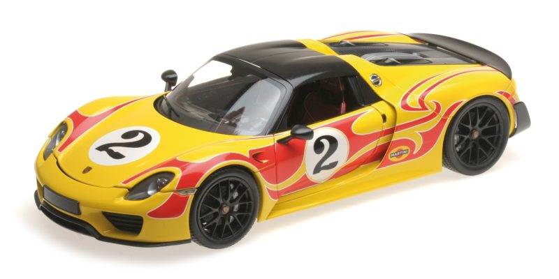 Collezione Qui Porsche 918 Spyder Martini Weissach Package Yellow With Red Stripes 1:18 Model Giada Bianca